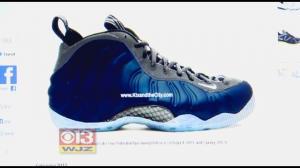 Nike Foam Tennis Shoes
