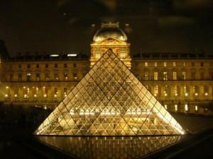 Pyramid_Louvre-Museum_Paris-300x225